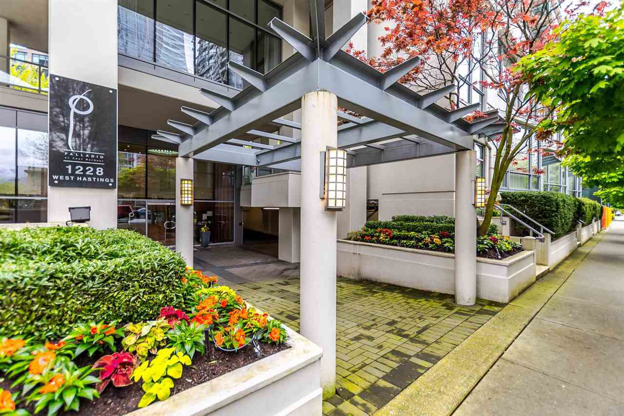 Main Photo: 703 1228 W HASTINGS Street in Vancouver: Coal Harbour Condo for sale (Vancouver West)  : MLS®# R2164411