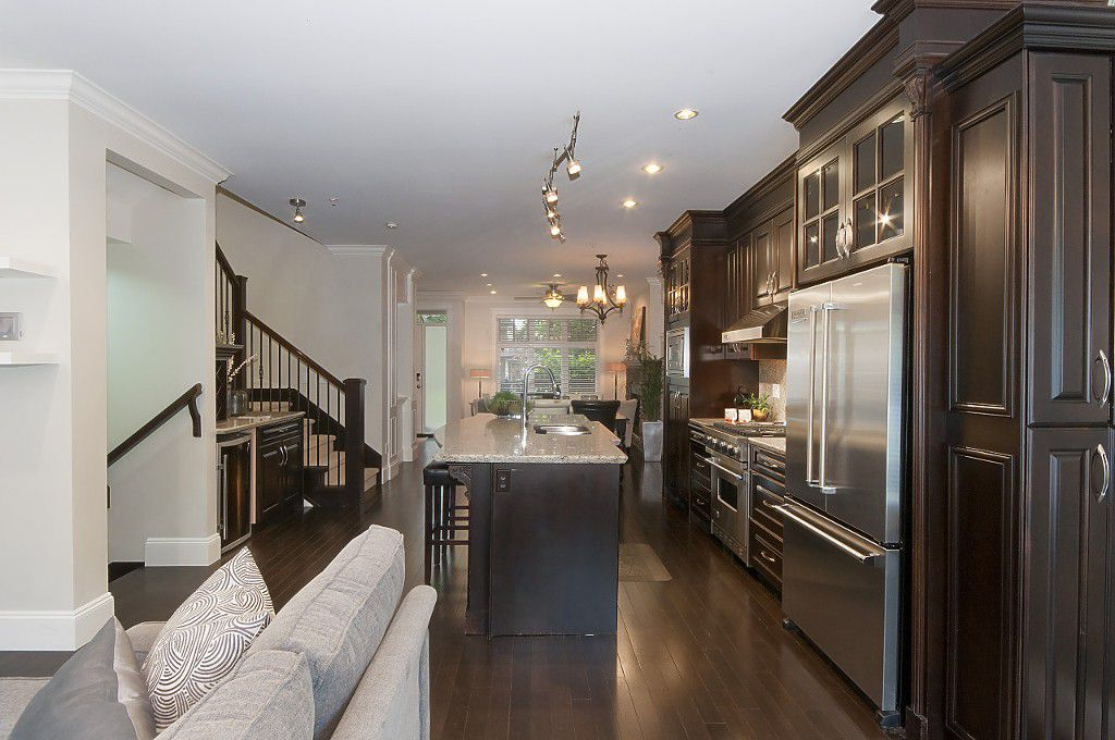 Photo 10: Photos: 2349 W 8TH Avenue in Vancouver: Kitsilano House 1/2 Duplex for sale (Vancouver West)  : MLS®# R2180429