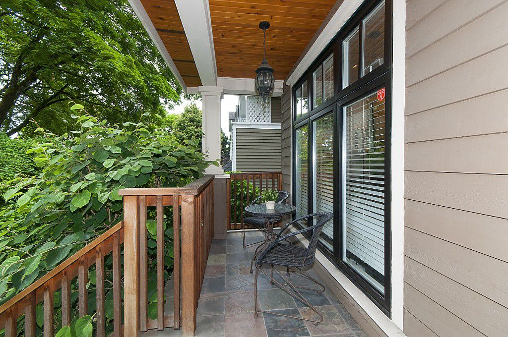 Photo 4: Photos: 2349 W 8TH Avenue in Vancouver: Kitsilano House 1/2 Duplex for sale (Vancouver West)  : MLS®# R2180429