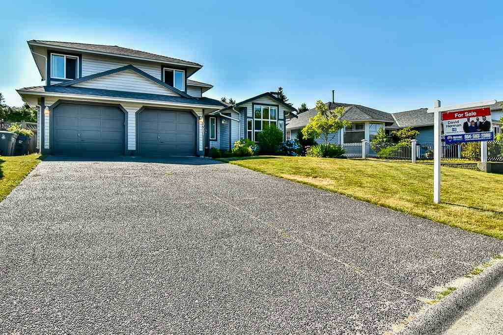 Main Photo: 9381 160A Street in Surrey: Fleetwood Tynehead House for sale : MLS®# R2188719