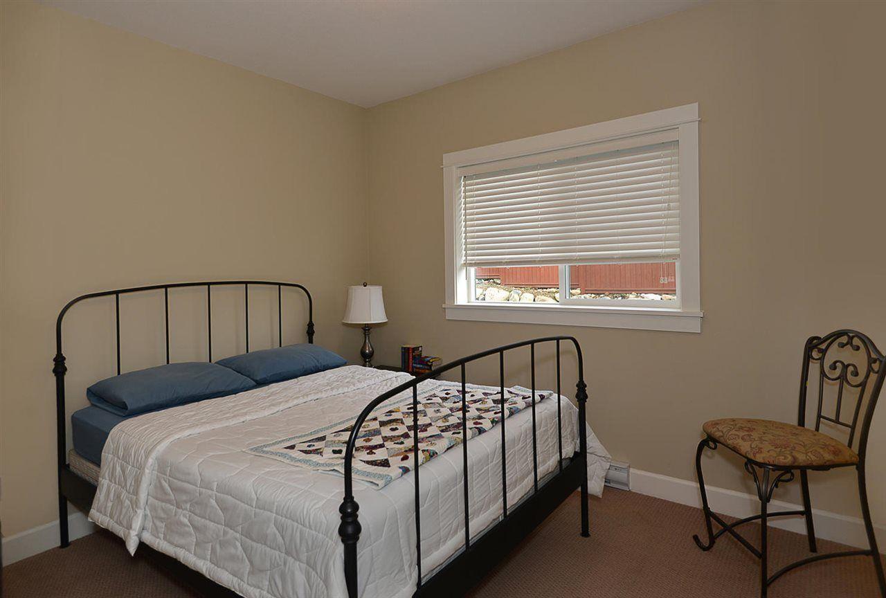 "Photo 12: Photos: 5454 MCCOURT Road in Sechelt: Sechelt District House for sale in ""Orca Vista"" (Sunshine Coast)  : MLS®# R2225248"