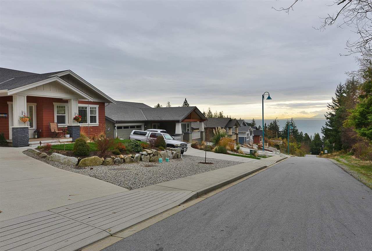 "Photo 19: Photos: 5454 MCCOURT Road in Sechelt: Sechelt District House for sale in ""Orca Vista"" (Sunshine Coast)  : MLS®# R2225248"