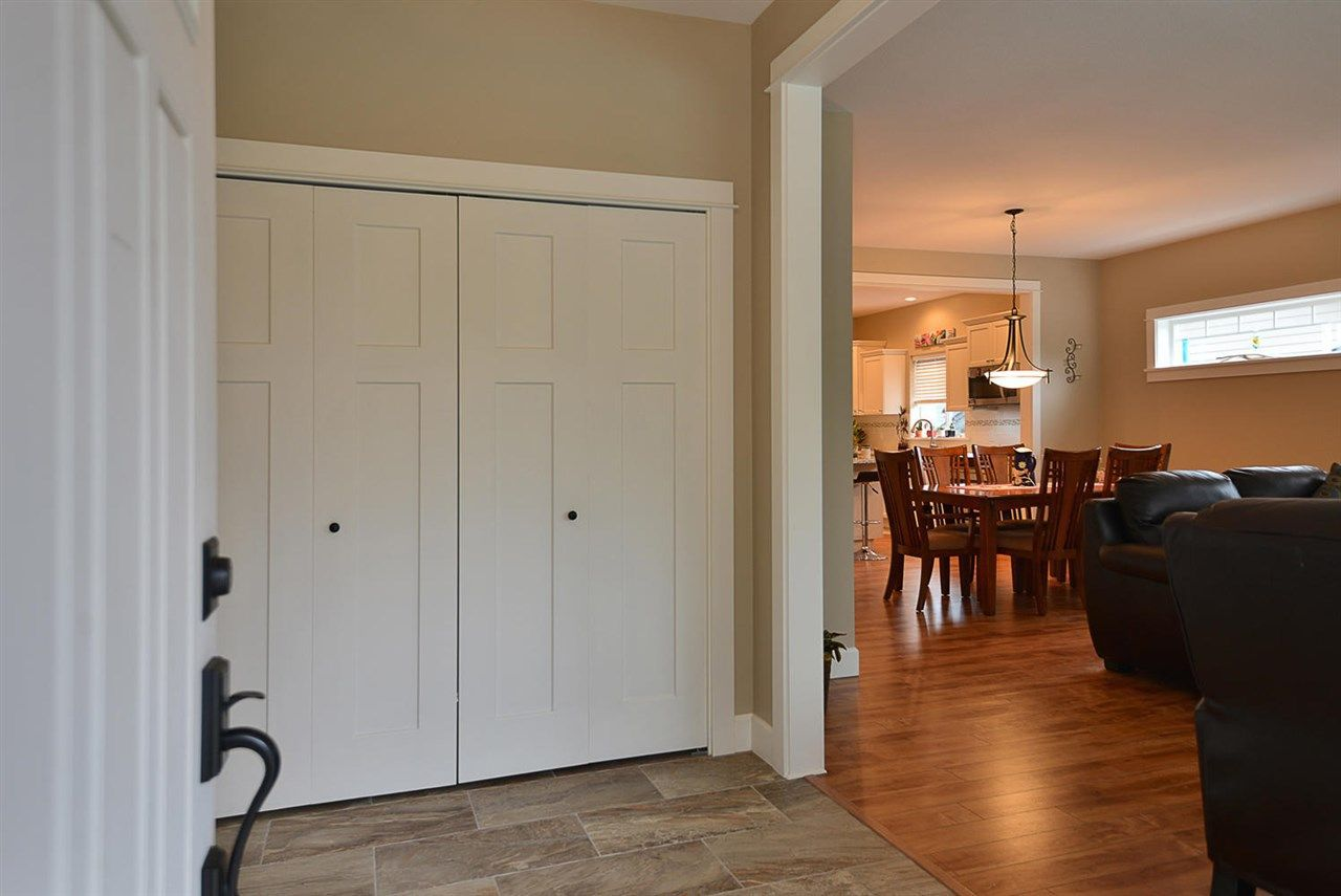 "Photo 3: Photos: 5454 MCCOURT Road in Sechelt: Sechelt District House for sale in ""Orca Vista"" (Sunshine Coast)  : MLS®# R2225248"