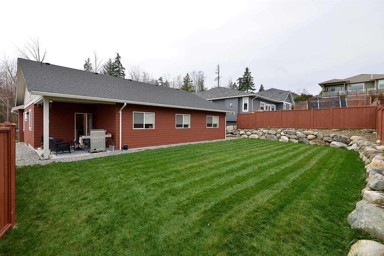 "Photo 17: Photos: 5454 MCCOURT Road in Sechelt: Sechelt District House for sale in ""Orca Vista"" (Sunshine Coast)  : MLS®# R2225248"
