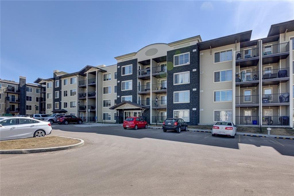 Main Photo: 2202 625 GLENBOW Drive: Cochrane Condo for sale : MLS®# C4181277