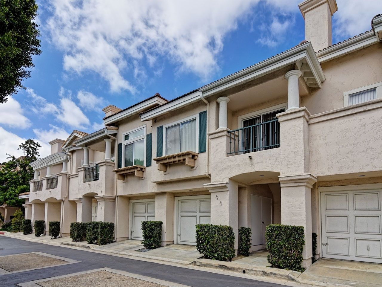 Main Photo: UNIVERSITY CITY Condo for sale : 1 bedrooms : 7245 Calabria Ct #53 in San Diego