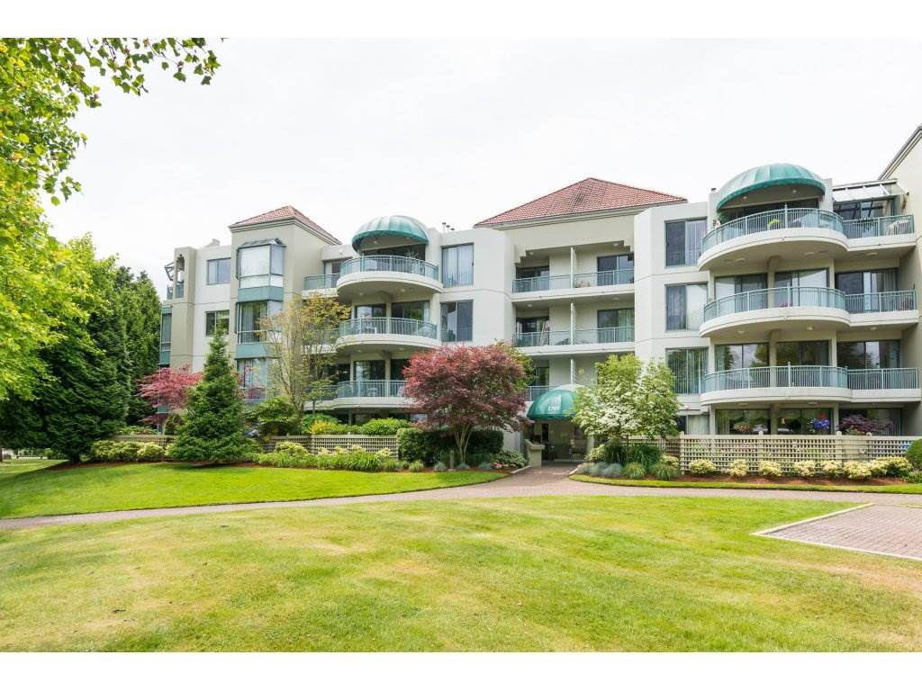 """Main Photo: 206 1705 MARTIN Drive in Surrey: Sunnyside Park Surrey Condo for sale in """"Southwynd"""" (South Surrey White Rock)  : MLS®# R2288568"""
