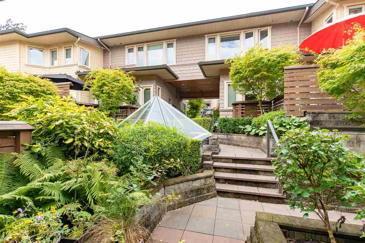 """Main Photo: 5 215 E 4TH Street in North Vancouver: Lower Lonsdale Townhouse for sale in """"Orchard Terrace"""" : MLS®# R2297145"""