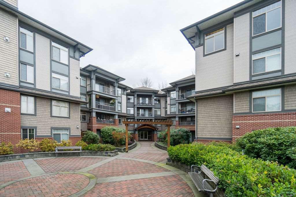 "Main Photo: 210 12020 207A Street in Maple Ridge: Northwest Maple Ridge Condo for sale in ""WESTBROOKE"" : MLS®# R2326157"