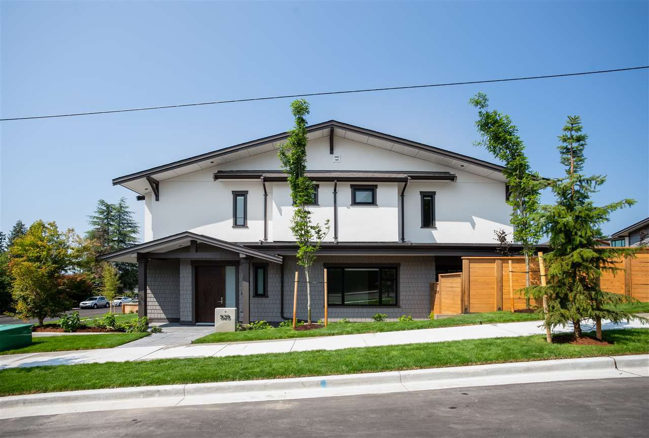 """Main Photo: 525 RIDGEWAY Avenue in North Vancouver: Lower Lonsdale House for sale in """"Residences at Ridgeway"""" : MLS®# R2326133"""