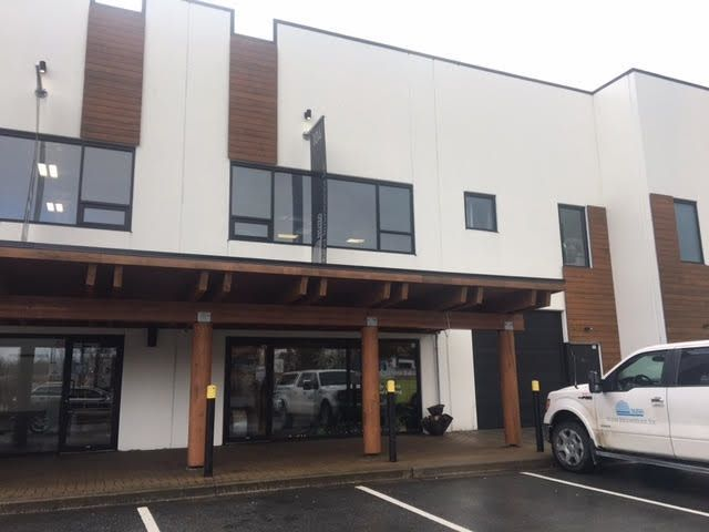 Main Photo: 104 39149 DISCOVERY Way in Squamish: Business Park Industrial for lease : MLS®# C8022530