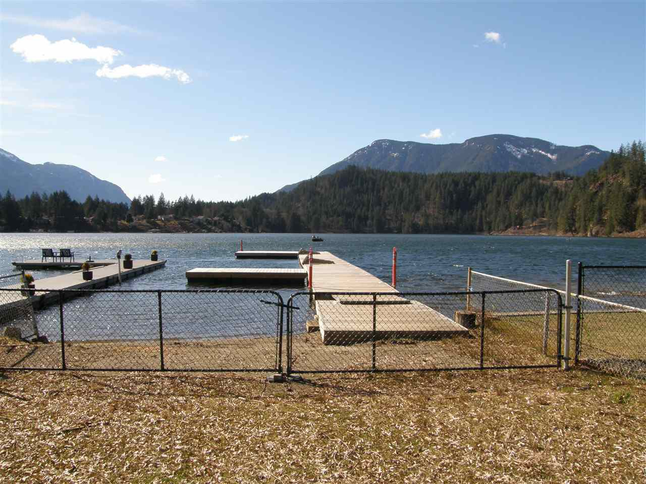 Main Photo: 66450 KERELUK Road in Hope: Hope Kawkawa Lake House for sale : MLS®# R2353177