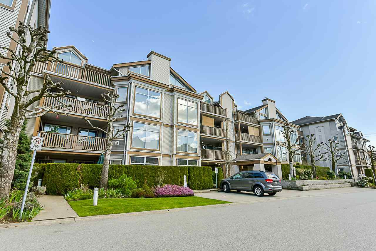 "Main Photo: 204 19131 FORD Road in Pitt Meadows: Central Meadows Condo for sale in ""WOODFORD MANOR"" : MLS®# R2359297"