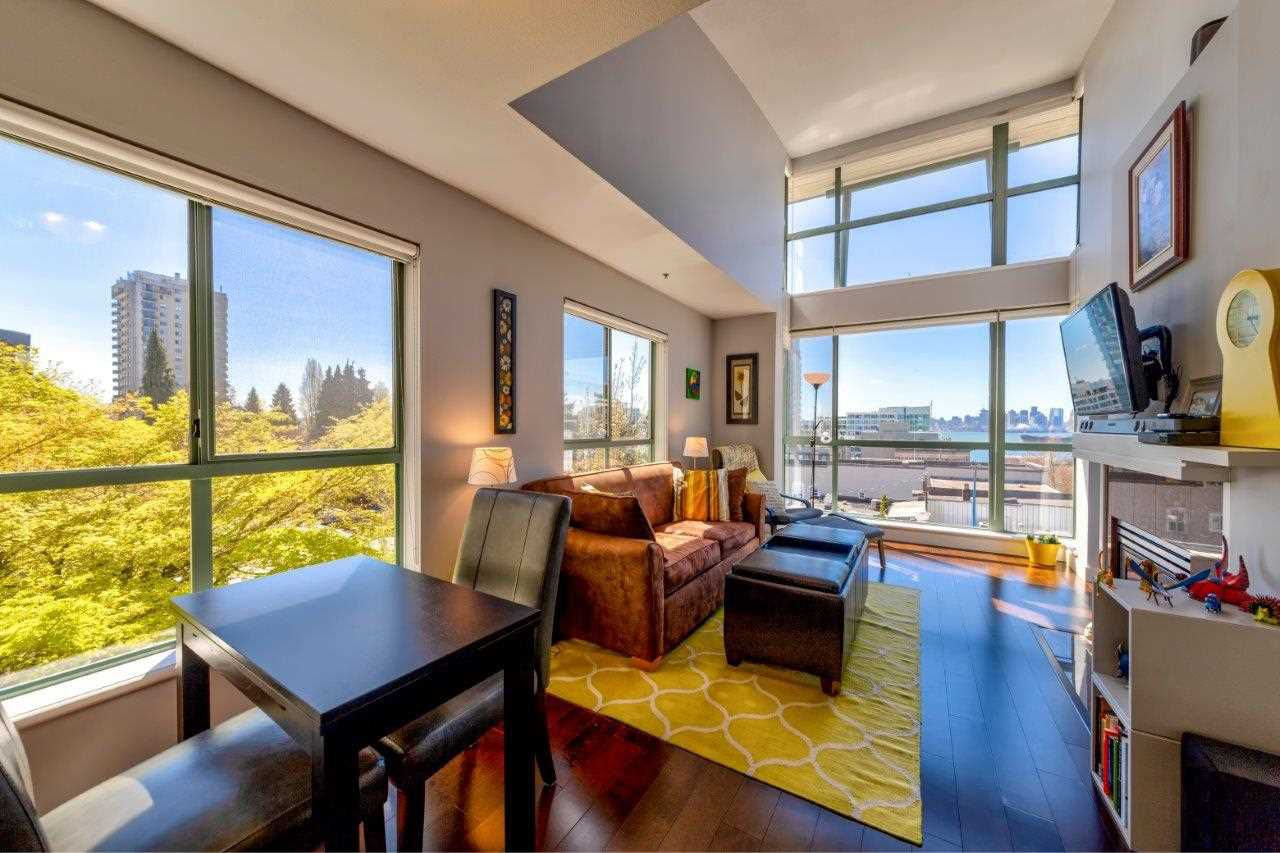 """Main Photo: 405 212 LONSDALE Avenue in North Vancouver: Lower Lonsdale Condo for sale in """"Two One Two"""" : MLS®# R2361446"""