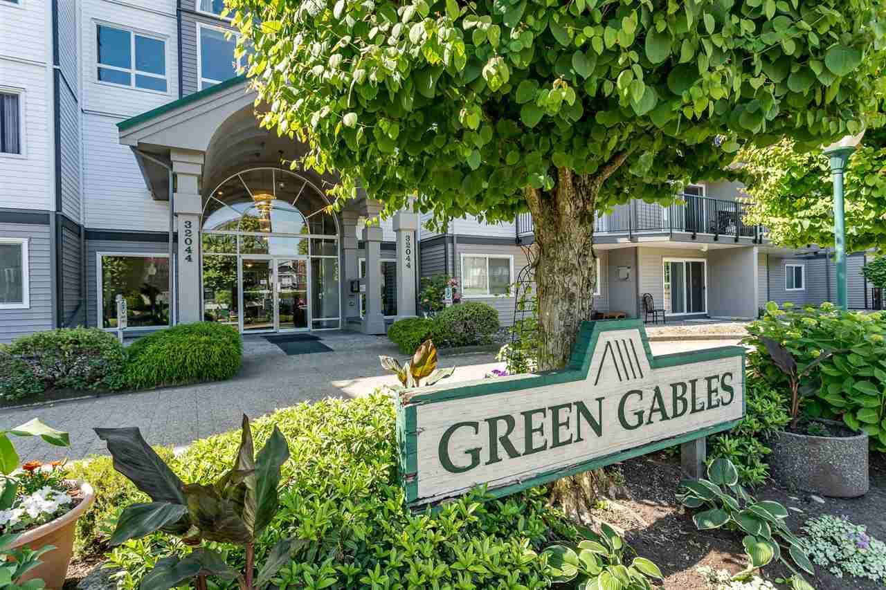 """Main Photo: 210 32044 OLD YALE Road in Abbotsford: Abbotsford West Condo for sale in """"Green Gables"""" : MLS®# R2375417"""