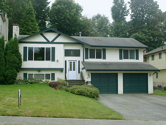 """Main Photo: 2237 OLYMPIA Place in Abbotsford: Abbotsford East House for sale in """"McMillan"""" : MLS®# F1118007"""