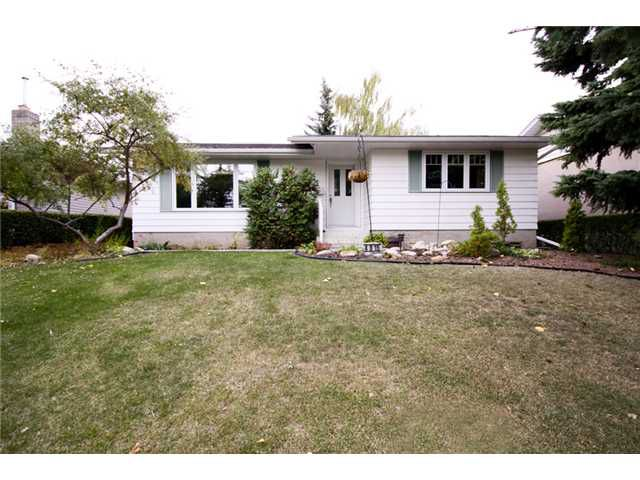 Main Photo: 4815 40 Avenue SW in CALGARY: Glamorgan Residential Detached Single Family for sale (Calgary)  : MLS®# C3494694