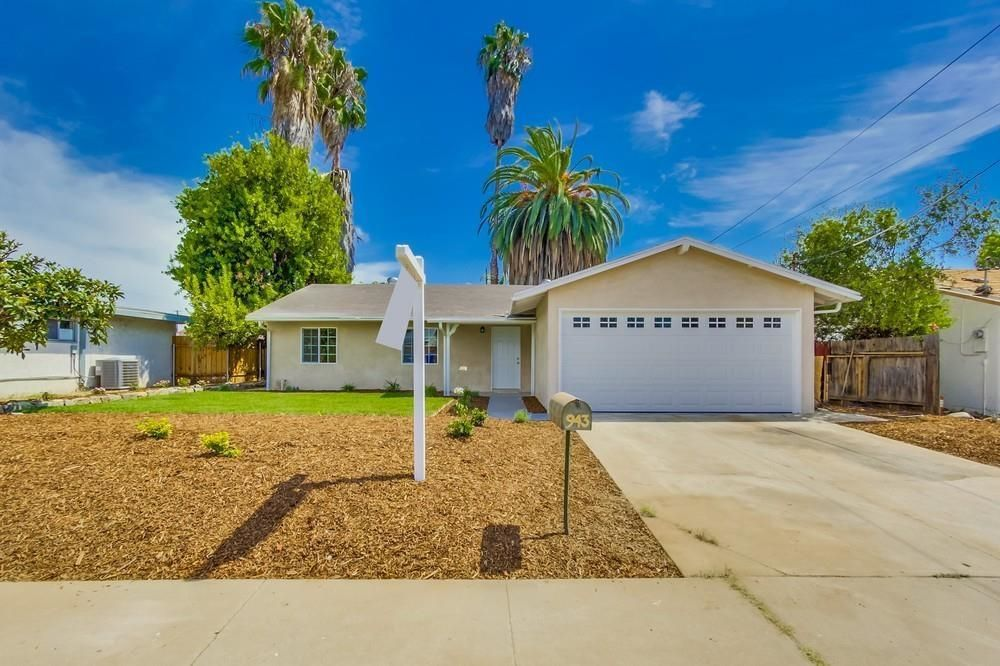 Main Photo: EL CAJON House for sale : 3 bedrooms : 943 Ednabelle Ct