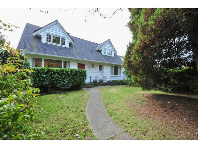 Main Photo: 527 E 19TH Street in North Vancouver: Boulevard House for sale : MLS®# V1094471