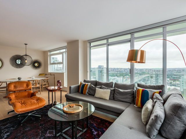 "Main Photo: 2008 1351 CONTINENTAL Street in Vancouver: Downtown VW Condo for sale in ""MADDOX DOWNTOWN"" (Vancouver West)  : MLS®# R2000387"