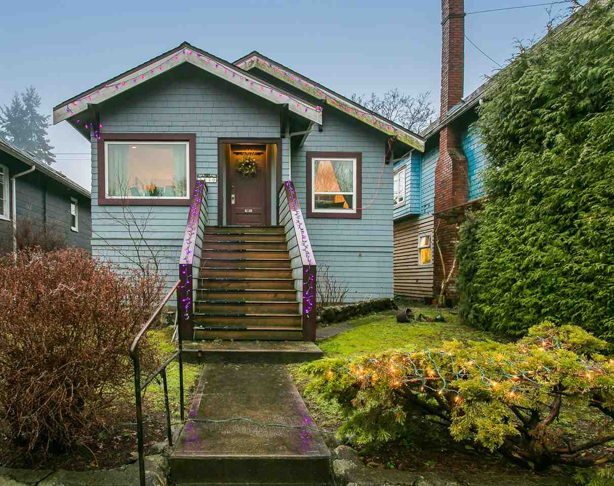 Main Photo: 3830 W 16TH Avenue in Vancouver: Dunbar House for sale (Vancouver West)  : MLS®# R2028922