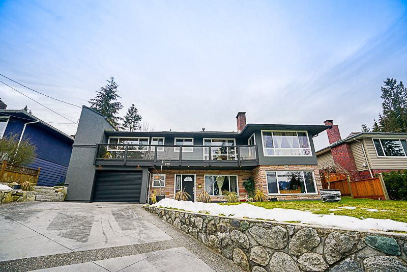 Main Photo: 919 N DOLLARTON Highway in North Vancouver: Dollarton House for sale : MLS®# R2136365