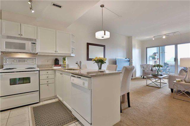 Main Photo: 301 600 E Eglinton Avenue in Toronto: Mount Pleasant East Condo for sale (Toronto C10)  : MLS®# C3815642