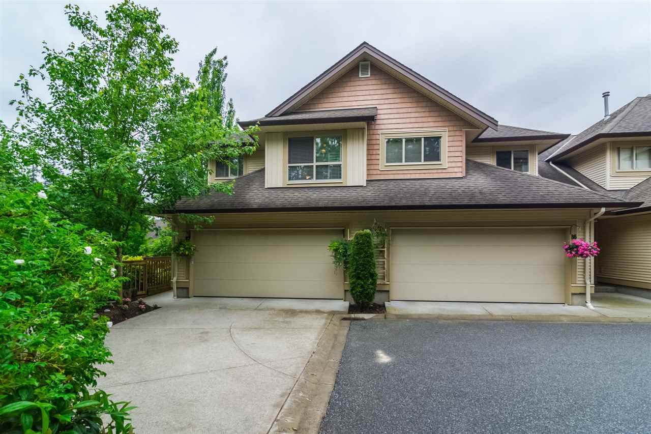 """Main Photo: 87 20350 68 Avenue in Langley: Willoughby Heights Townhouse for sale in """"SUNRIDGE"""" : MLS®# R2171135"""