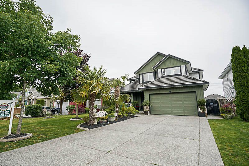 Main Photo: 7272 147A Street in Surrey: East Newton House for sale : MLS®# R2179540