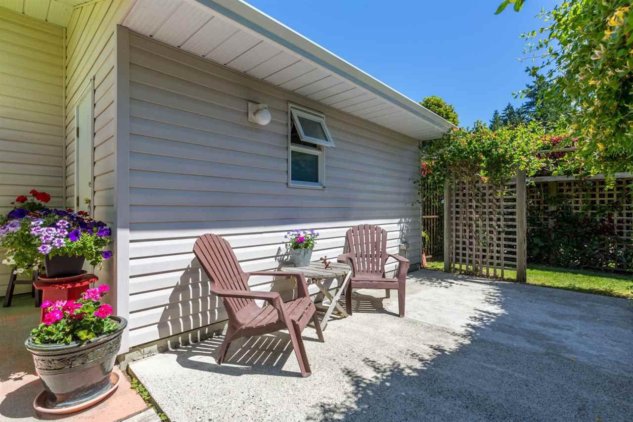 "Photo 8: Photos: 6317 JASPER Road in Sechelt: Sechelt District House for sale in ""WEST SECHELT"" (Sunshine Coast)  : MLS®# R2181767"