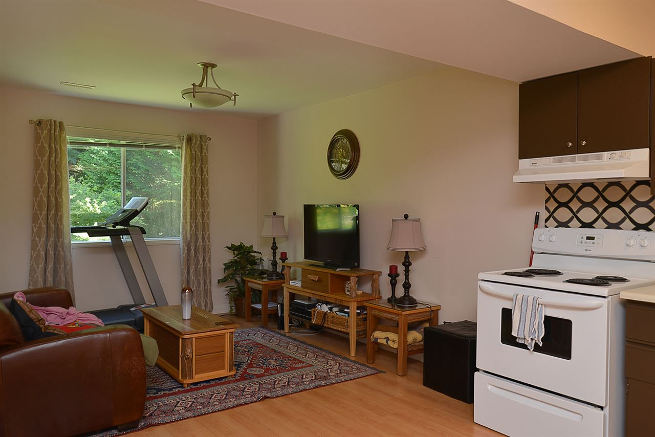 Photo 13: Photos: 852 TRALEE Place in Gibsons: Gibsons & Area House for sale (Sunshine Coast)  : MLS®# R2199333