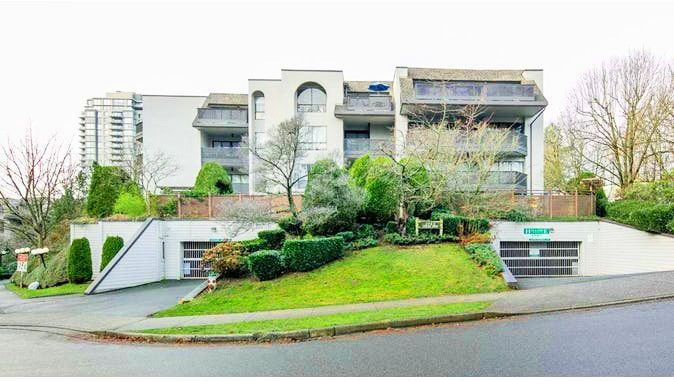 Main Photo: 106 1945 WOODWAY Place in Burnaby: Brentwood Park Condo for sale (Burnaby North)  : MLS®# R2241373