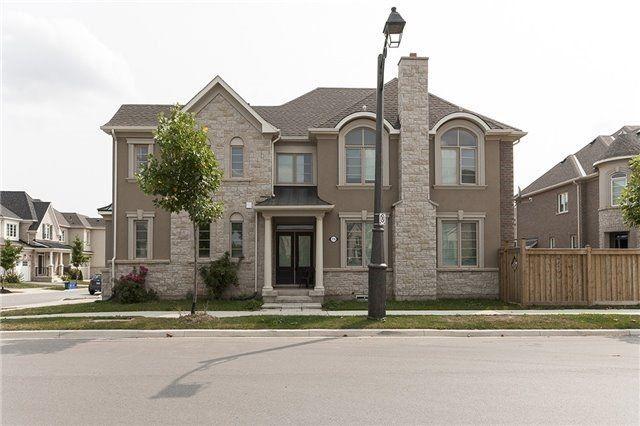Main Photo: 116 Cherryhurst Road in Oakville: Rural Oakville House (2-Storey) for sale : MLS®# W4112591