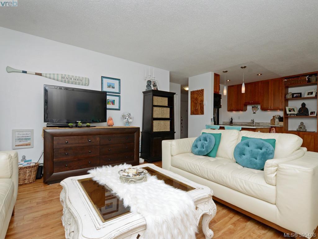 Main Photo: 230 2930 Washington Avenue in VICTORIA: Vi Burnside Condo Apartment for sale (Victoria)  : MLS®# 395408