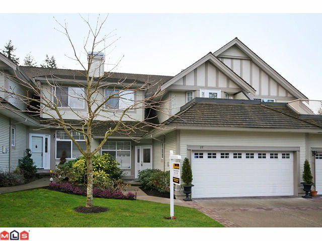 "Main Photo: 22 5811 122 Street in Surrey: Panorama Ridge Townhouse for sale in ""Lakebridge Estates"" : MLS®# F1104192"