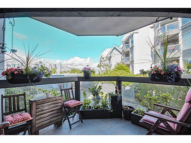 "Main Photo: 208 1365 W 4TH Avenue in Vancouver: False Creek Condo for sale in ""GRANVILLE ISLAND VILLAGE"" (Vancouver West)  : MLS®# V1072784"