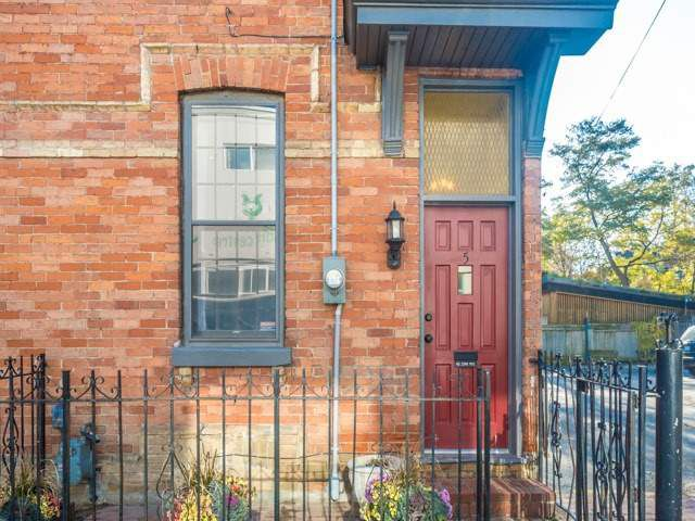 Main Photo: 5 Lancaster Avenue in Toronto: Cabbagetown-South St. James Town House (2-Storey) for sale (Toronto C08)  : MLS®# C3656274