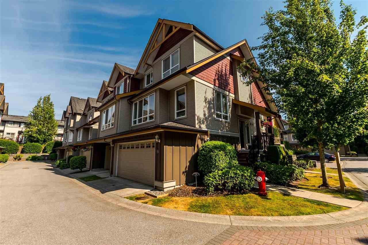 """Main Photo: 16 16789 60 Avenue in Surrey: Cloverdale BC Townhouse for sale in """"LAREDO"""" (Cloverdale)  : MLS®# R2190662"""
