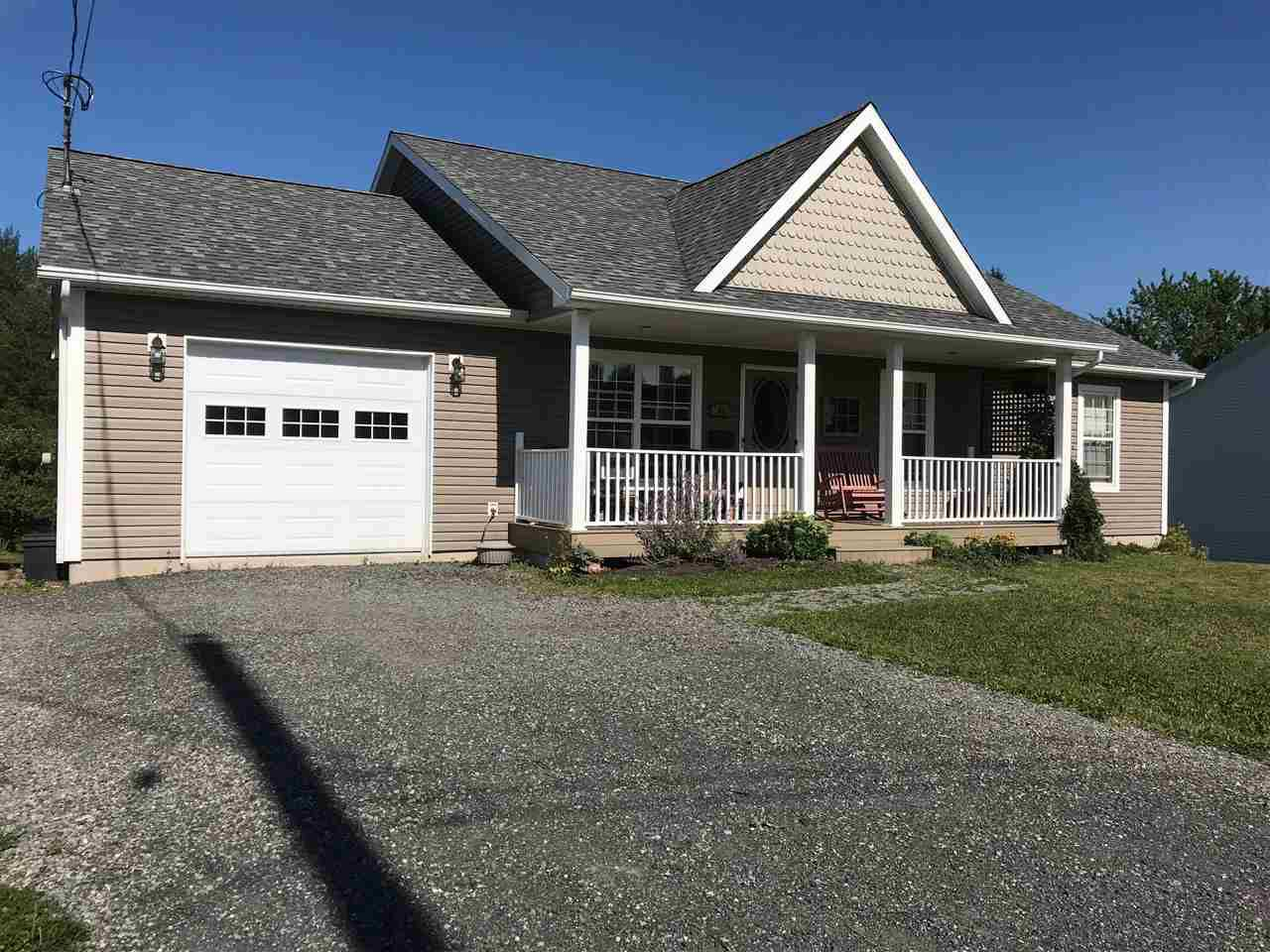Main Photo: 41 Lovat Crescent in New Glasgow: 106-New Glasgow, Stellarton Residential for sale (Northern Region)  : MLS®# 201810053