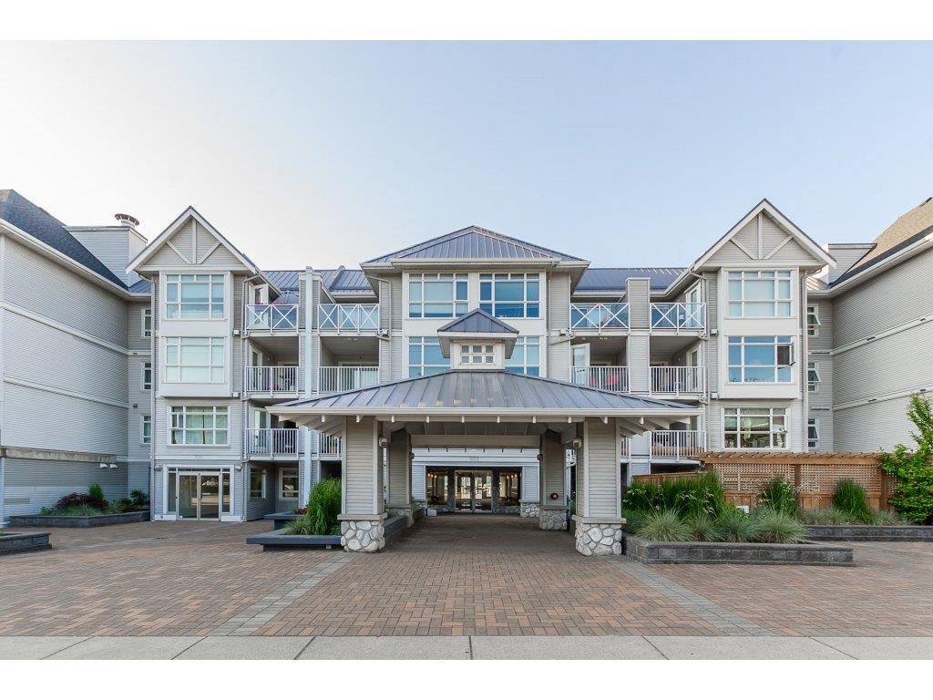 "Main Photo: 205 3122 ST JOHNS Street in Port Moody: Port Moody Centre Condo for sale in ""SONRISA"" : MLS®# R2273265"