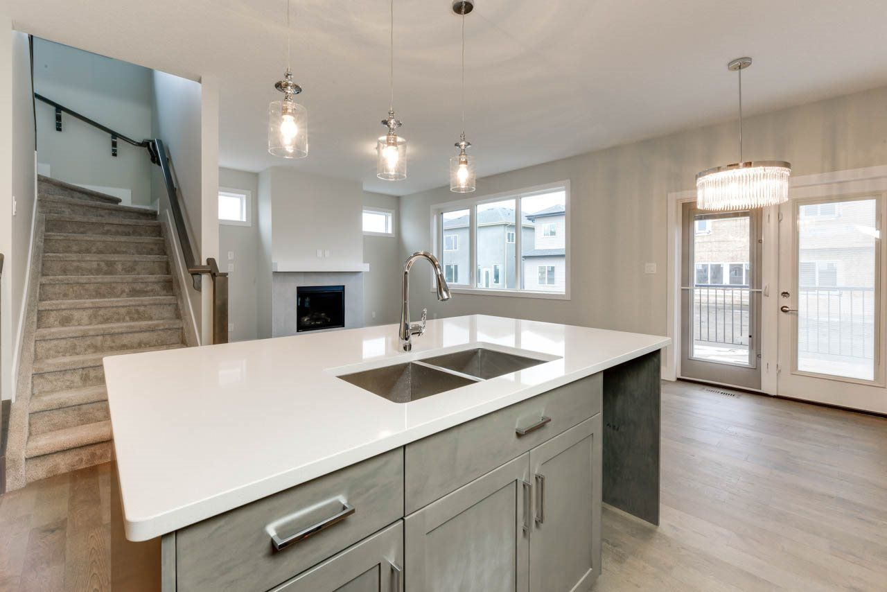 Photo 11: Photos: 15027 15 Street in Edmonton: Zone 35 House for sale : MLS®# E4135572