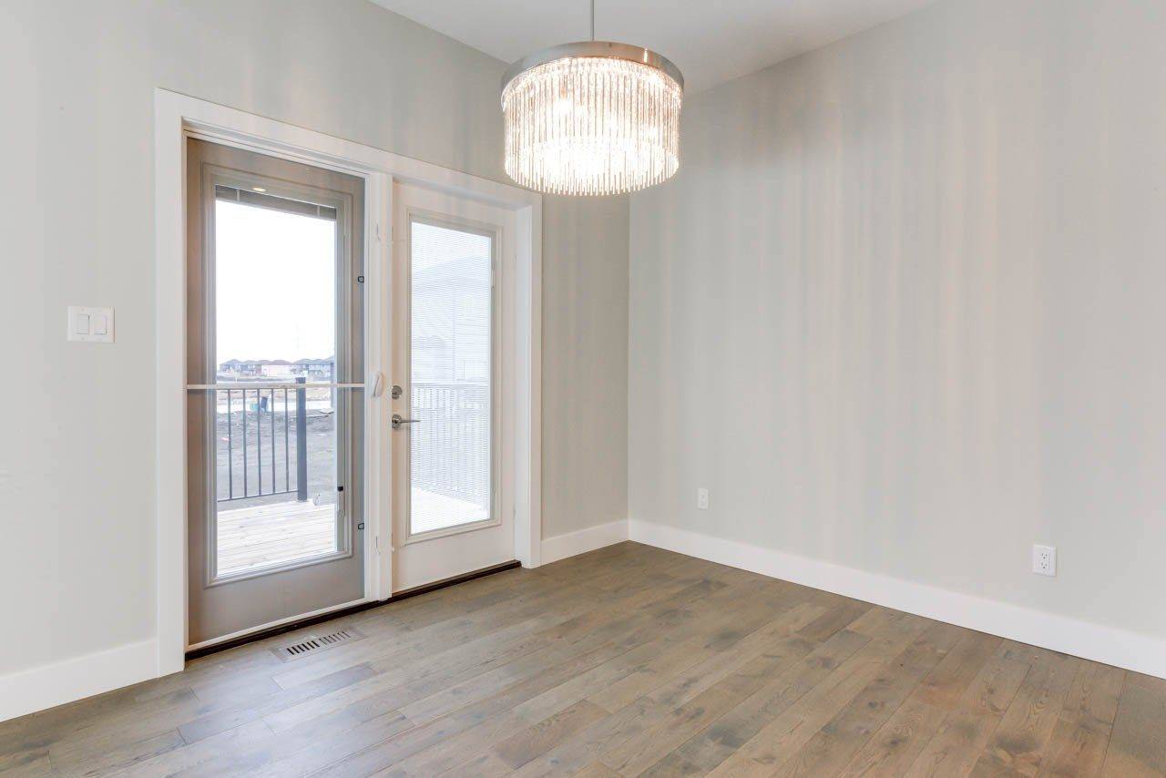 Photo 5: Photos: 15027 15 Street in Edmonton: Zone 35 House for sale : MLS®# E4135572
