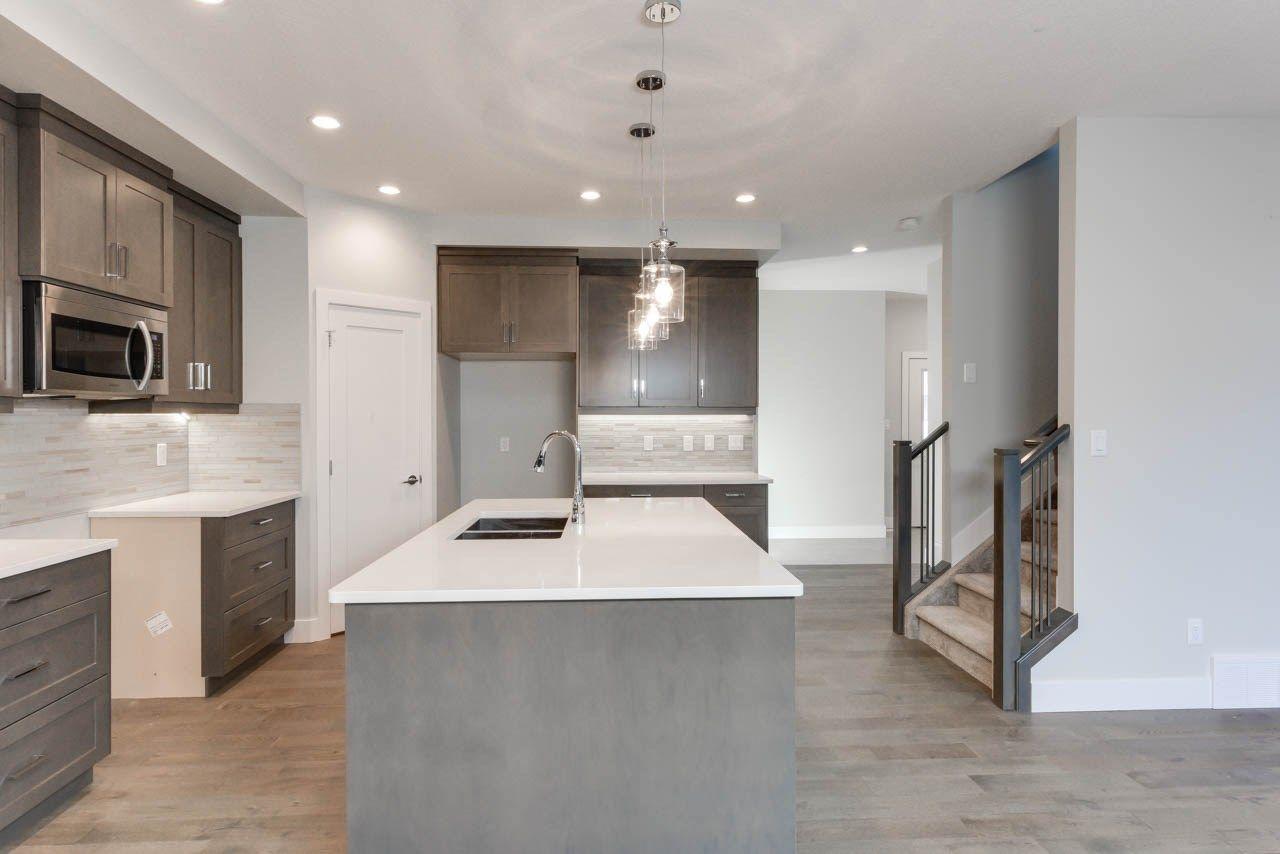 Photo 8: Photos: 15027 15 Street in Edmonton: Zone 35 House for sale : MLS®# E4135572