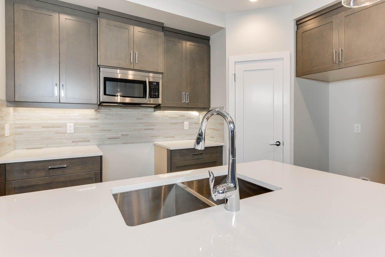 Photo 10: Photos: 15027 15 Street in Edmonton: Zone 35 House for sale : MLS®# E4135572