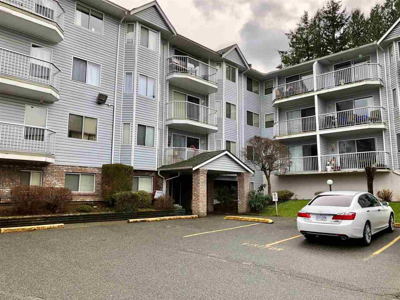 "Main Photo: 114 2750 FULLER Street in Abbotsford: Central Abbotsford Condo for sale in ""Valley View Terrace"" : MLS®# R2354473"