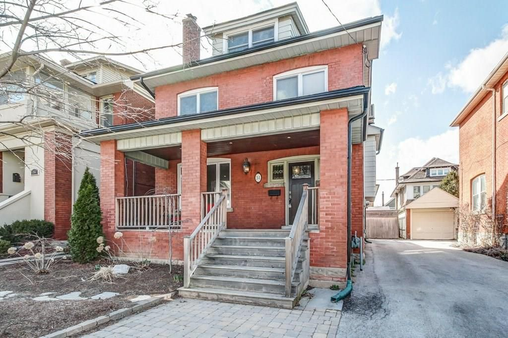 Main Photo: 34 BEULAH Avenue in Hamilton: Residential for sale : MLS®# H4049897