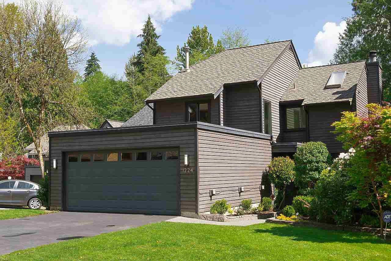 Main Photo: 1224 CALEDONIA Avenue in North Vancouver: Deep Cove House for sale : MLS®# R2365442