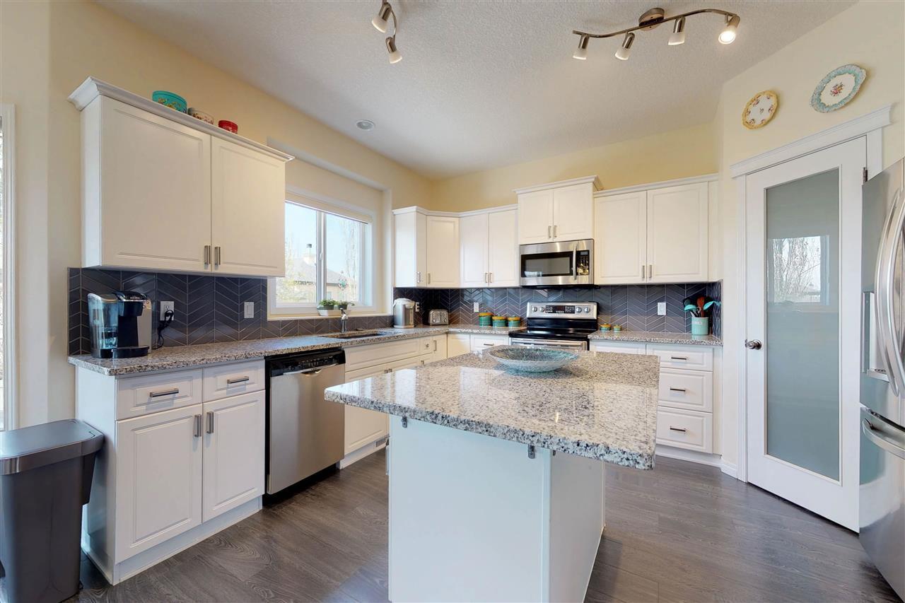 Main Photo: 15 WILLOWBEND Court: Stony Plain House for sale : MLS®# E4157038