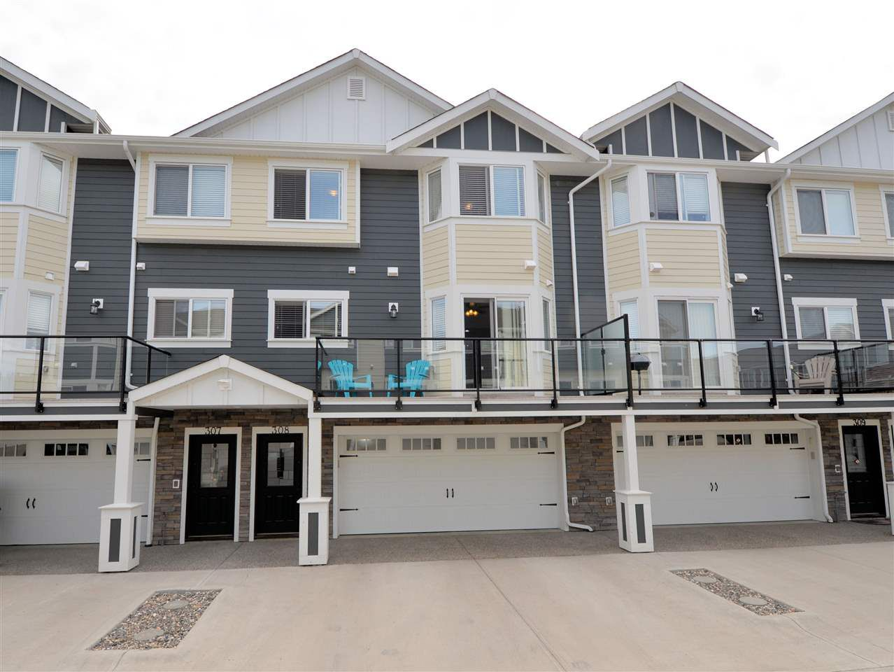 """Main Photo: 308 467 S TABOR Boulevard in Prince George: Heritage Townhouse for sale in """"VIDA"""" (PG City West (Zone 71))  : MLS®# R2380937"""