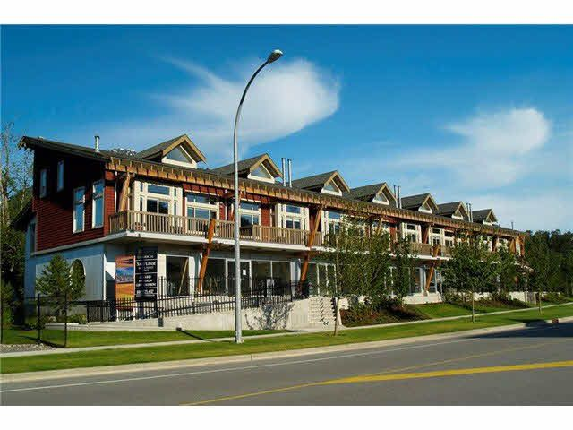 """Main Photo: 9 40775 TANTALUS Road in Squamish: Tantalus Townhouse for sale in """"Alpenlofts"""" : MLS®# V1121122"""
